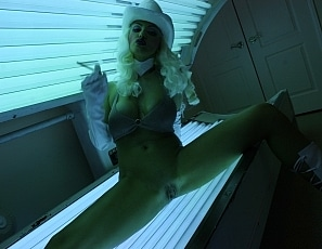 BrittanyAndrews/Cowgirl Tanning Bed